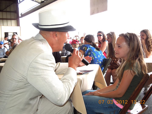 Frank swoons Gabriela at the Mid Atlantic Air Museum WWII Weekend Jun 2012