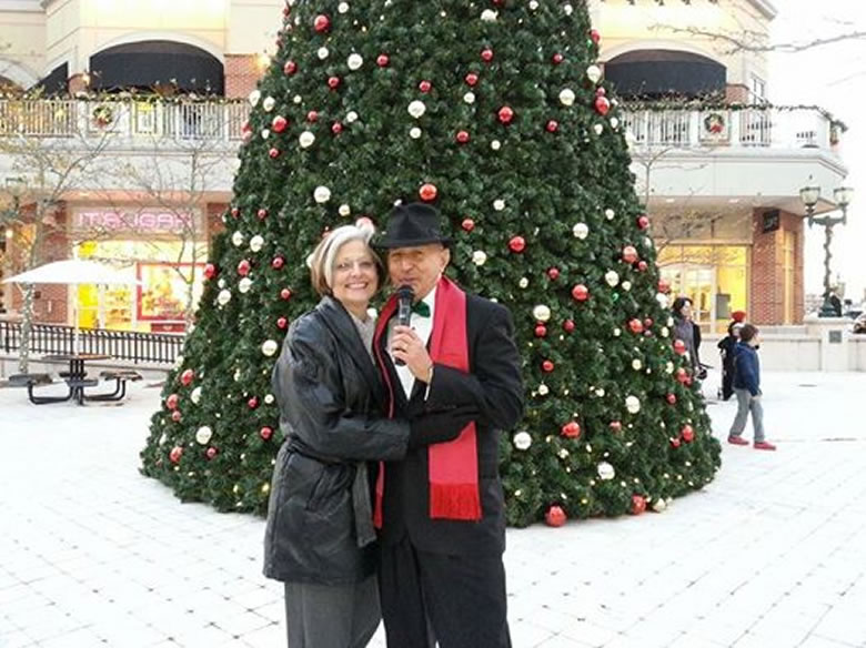 VA Beach Town Center Square Christmas performance Dec 14 w/Cindy
