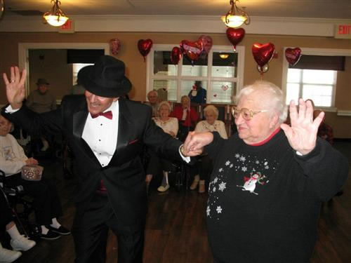 Valentine`s Day special for the residents of Pacifica Senior Living of Virginia Beach